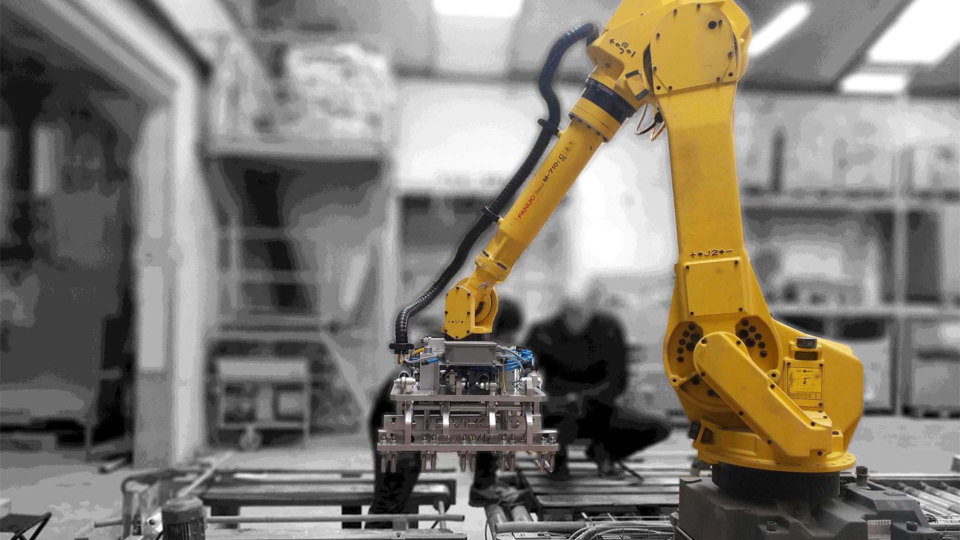 Industrial palletizing robot by Siviko