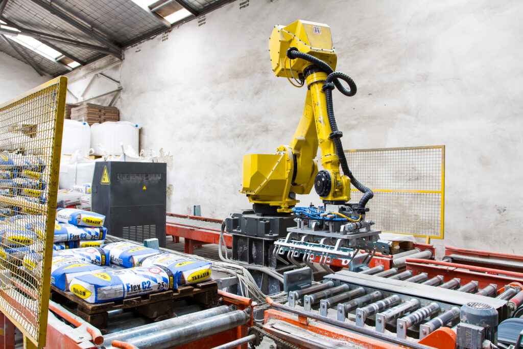 Решението може да бъде разширено с палетизиращ робот