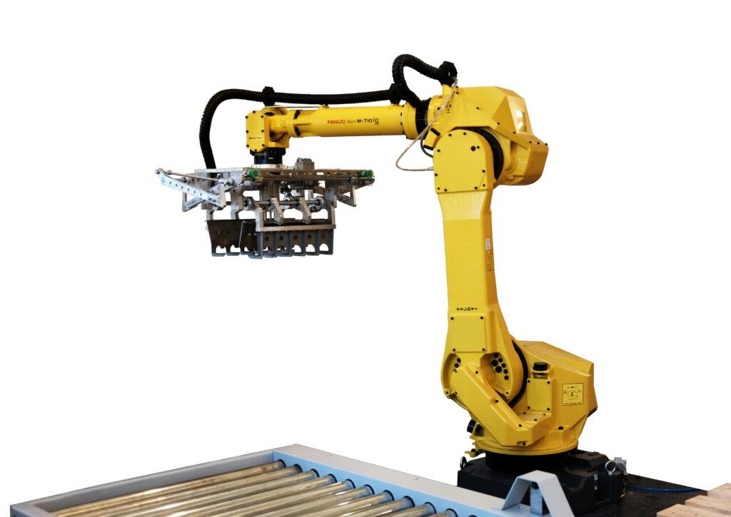 Палетизиращ робот FANUC M-710iC/70 и специализиран хващач модел Siviko PBG-3